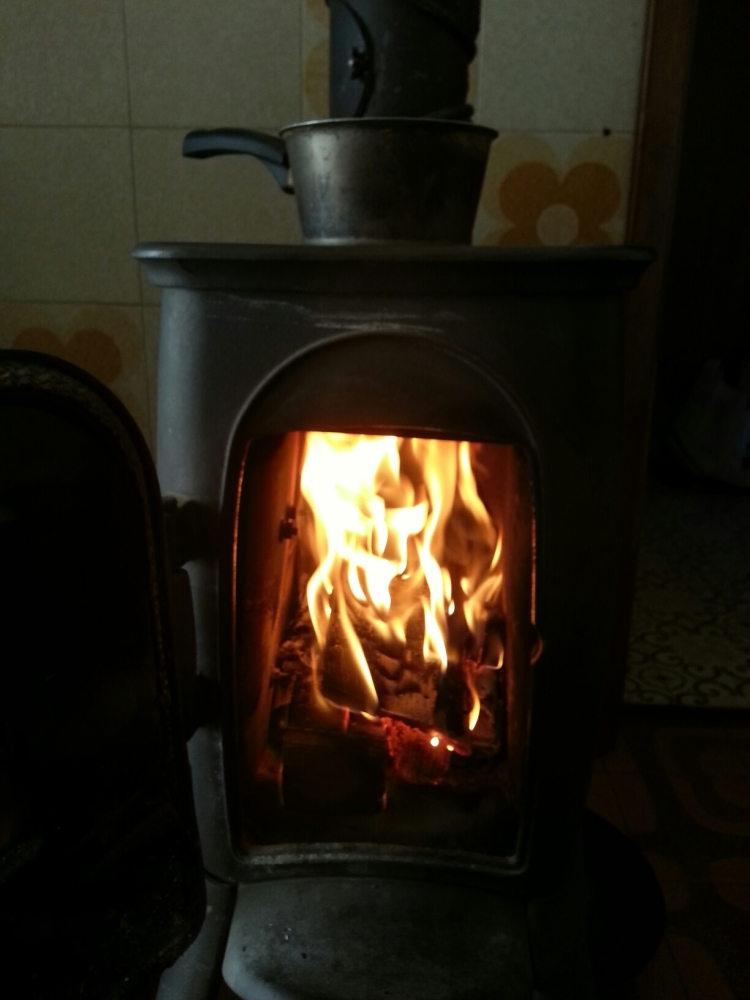 Ricordi di un tempo accanto al fuoco.